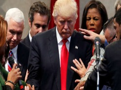 prayer-for-trump-donnie-feature